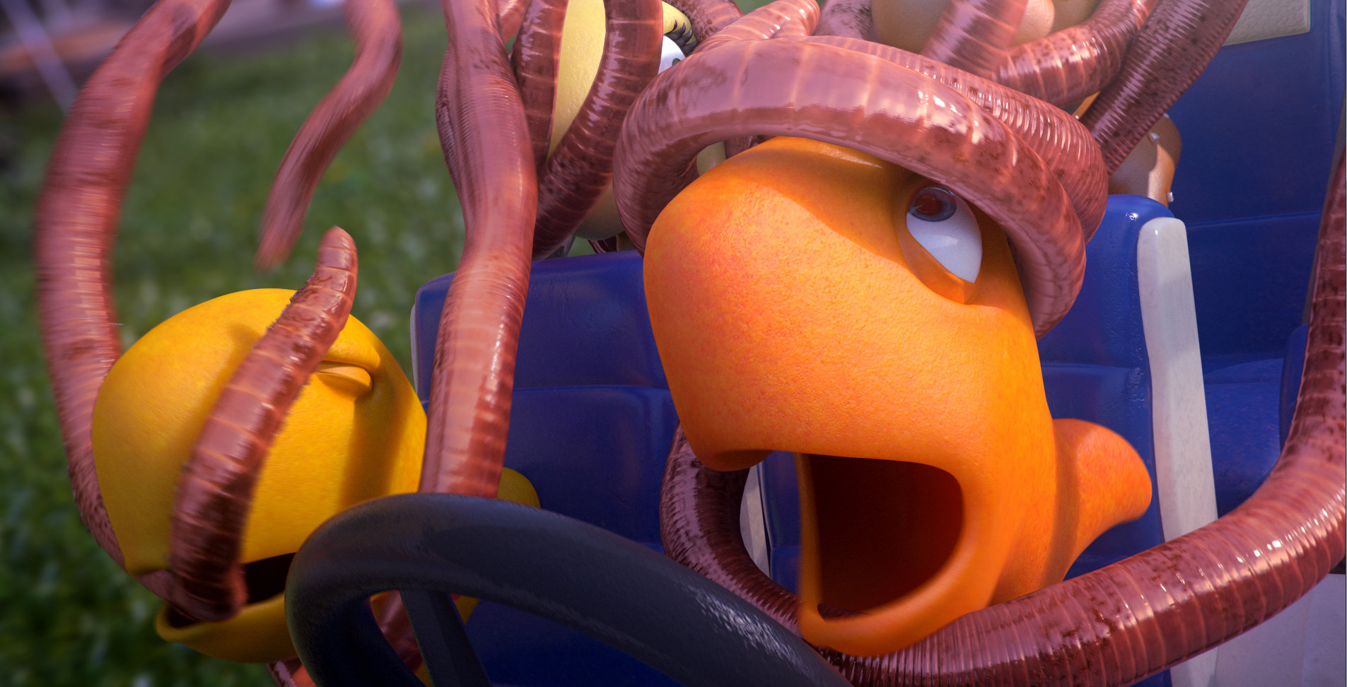 GoldFish_Worms_1.jpg