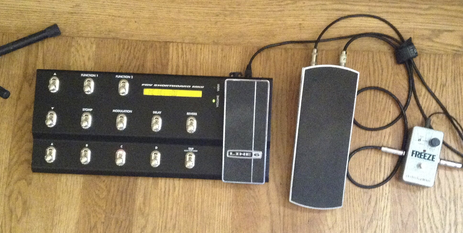 Breaking the Waves: pedalboard setup