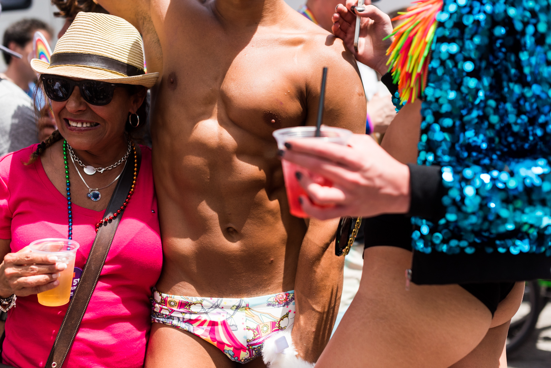 Boys-Gay-Pride-16.jpg