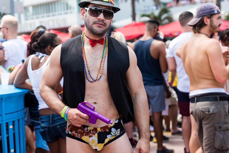 Boys-Gay-Pride-9.jpg