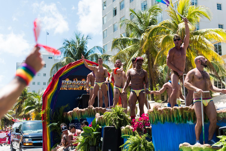 Boys-Gay-Pride-7.jpg
