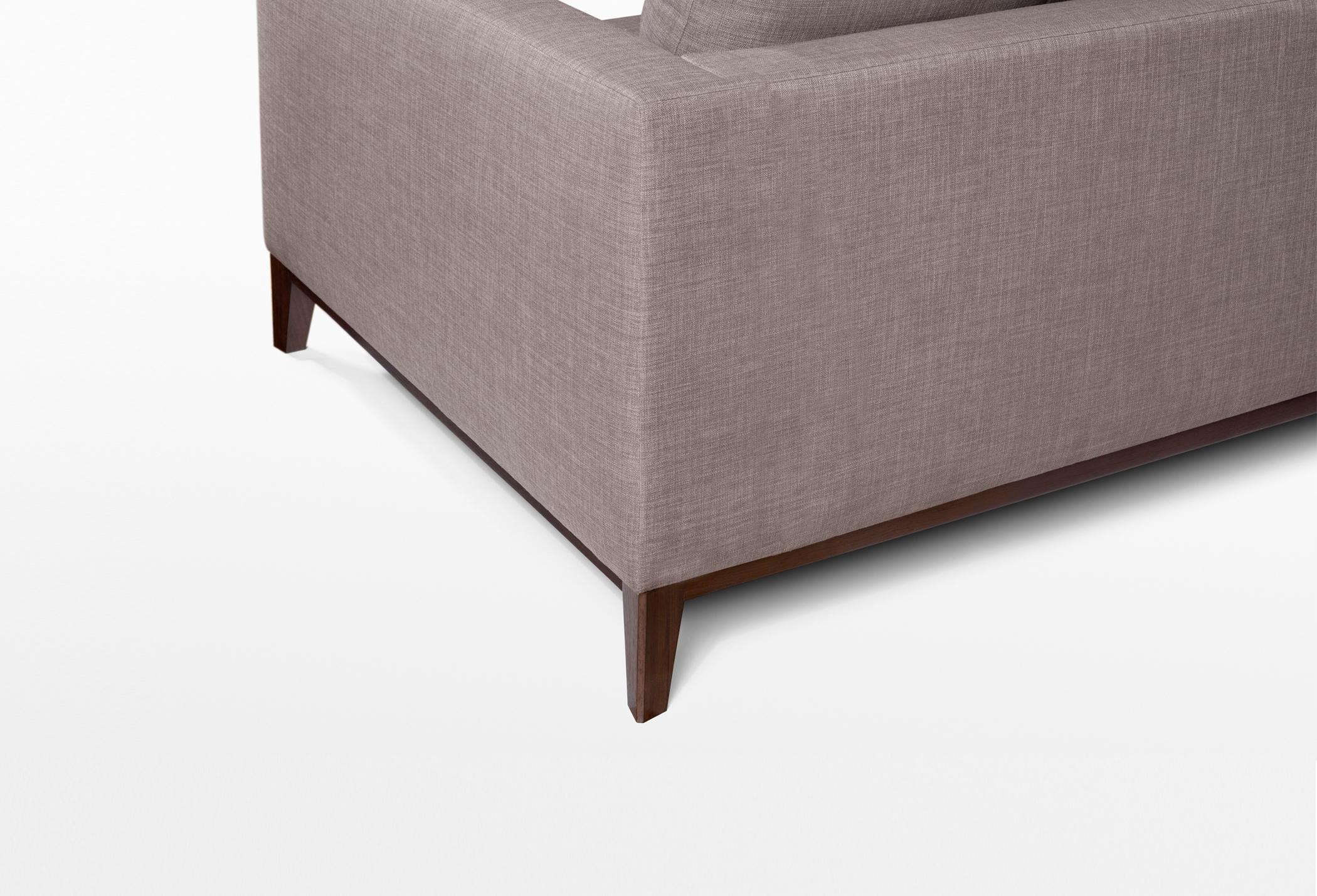 GILBERE-Leg Detail.jpg