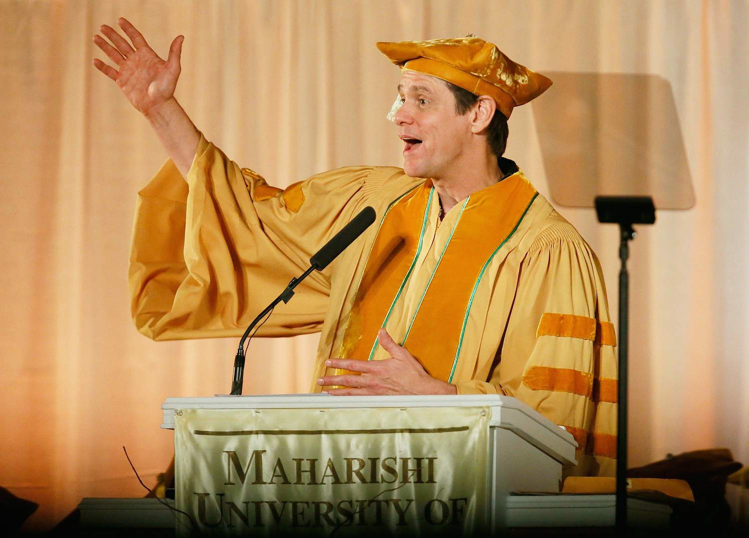 """Episode 87: """"You Will Only Ever Have Two Choices"""" - This week we're looking at Jim Carrey's speech to the 2014 graduating class of the Maharishi University of Management. In this address, he discusses his belief that our choices are generally based in either fear or love. He encourages the graduates to have faith in themselves, to follow their passions in spite of negativity and doubt. He also promotes feelings of connection and urges them to express both their desires and skills without hesitation."""