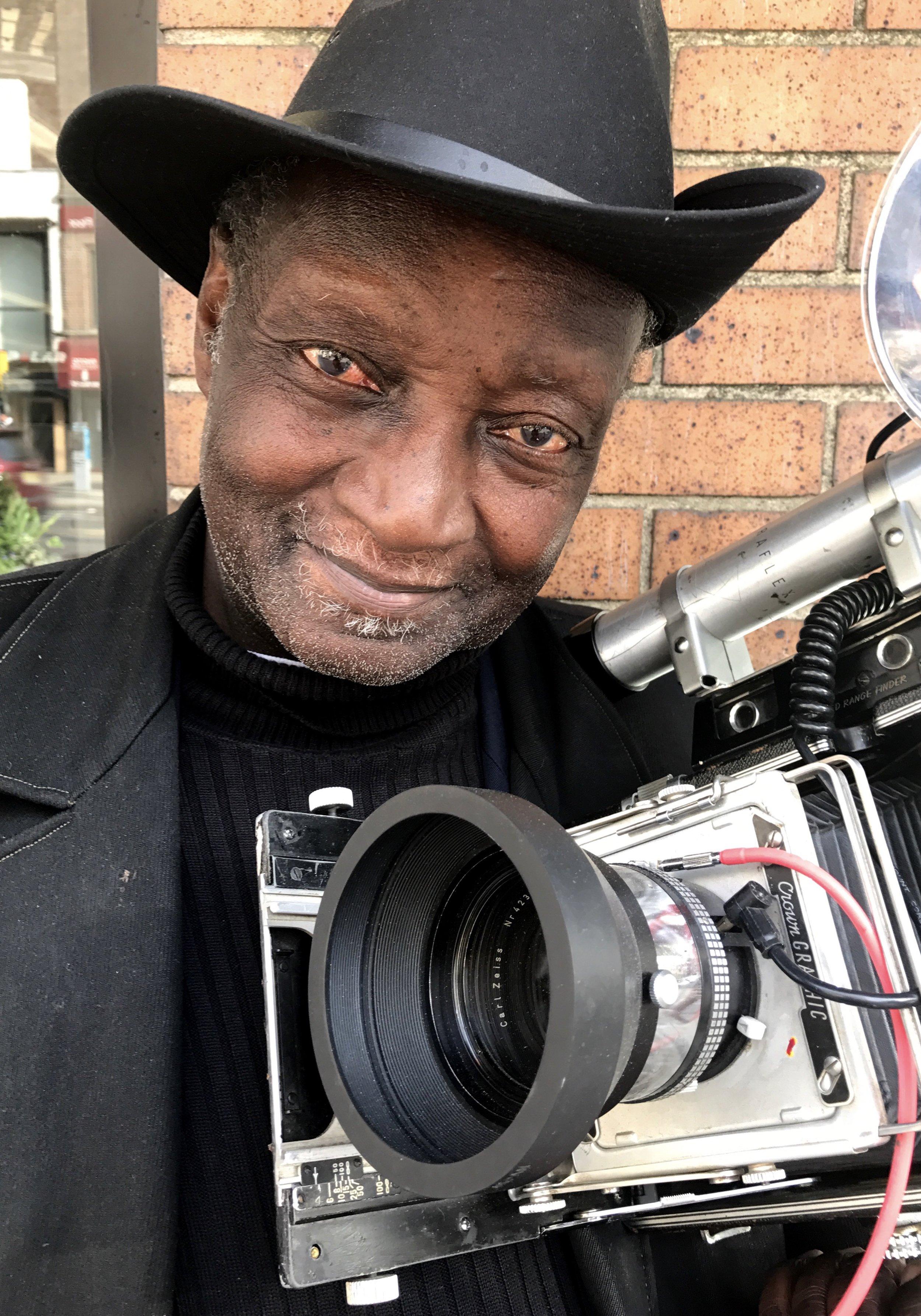 Photo Hunt | Capturing People (Louis Mendes)