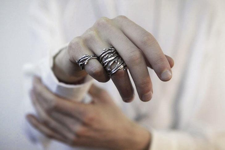 Redsofa : dark elvish twine silver twig ring