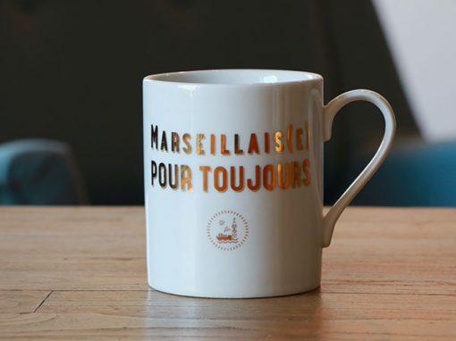 la Manufacture de Souvenirs : mug Marseillais(e) pour toujours