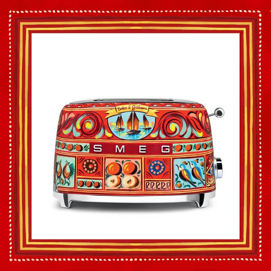 dolce-gabbana-a-line-of-kitchen-appliances-decorated-with-sicilian-motifs-08.jpg