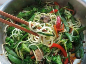 Stirfry Zoodles in pan