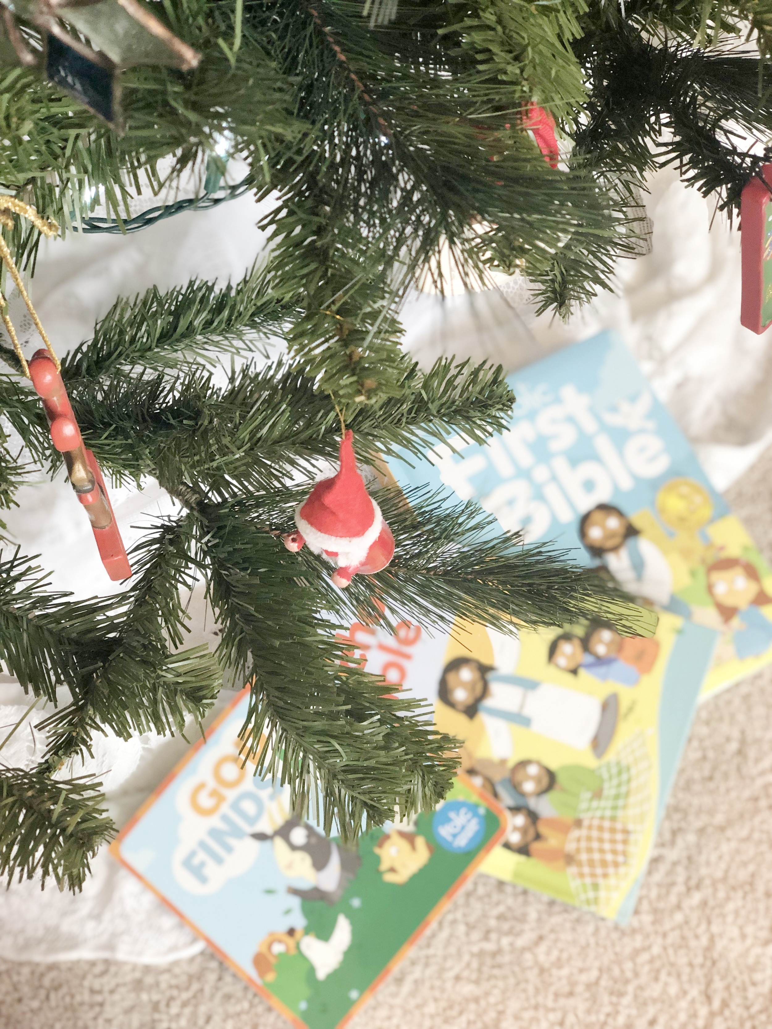 Still looking for gifts to put under the tree? How about wrapping up something meaningful?  Today we're sharing an idea that we think will help build your children's faith for years to come!
