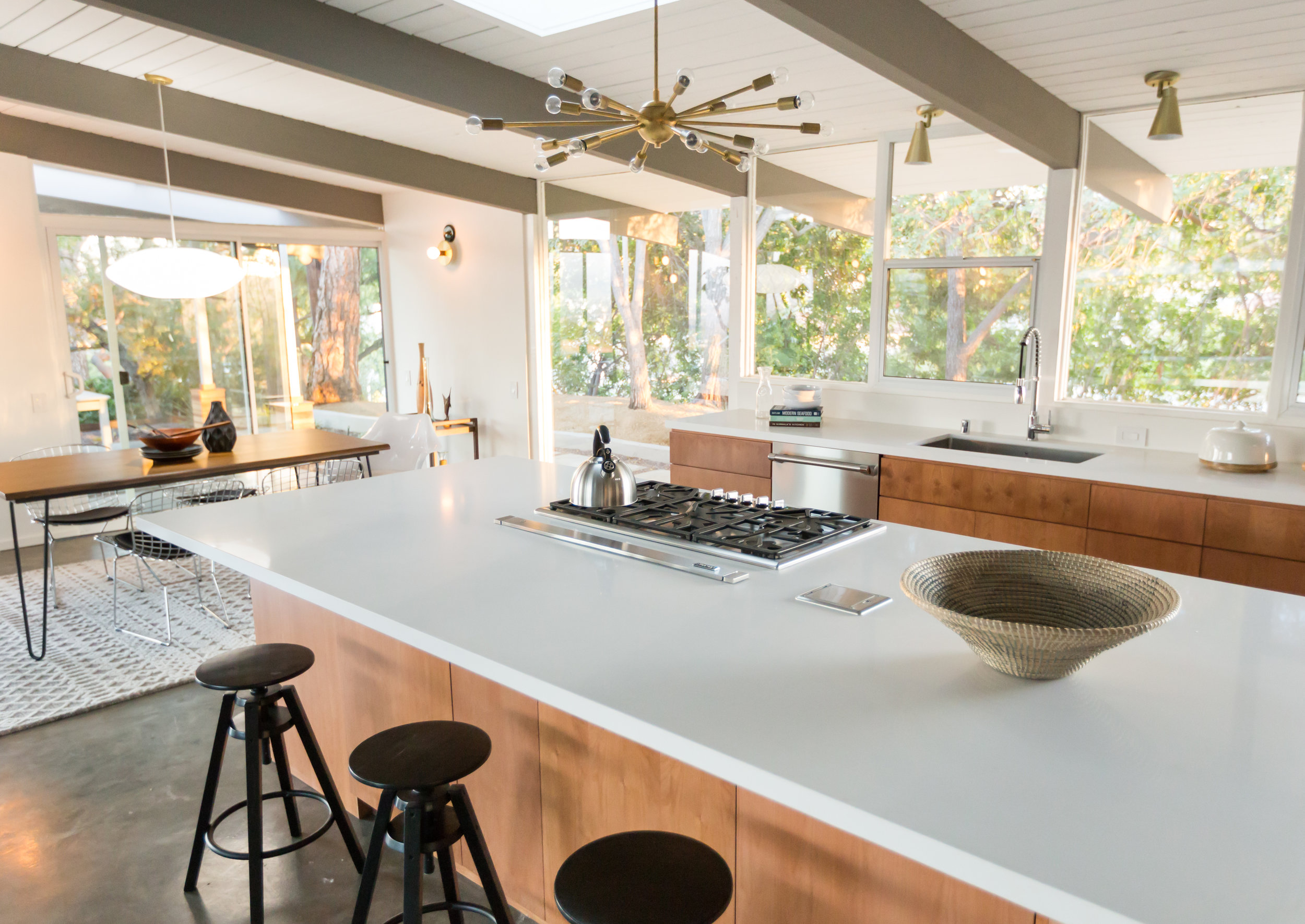 This kitchen. This view. That pendant. Sign us up, please!