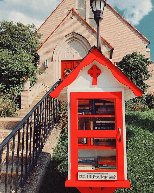 Free Libraries are on my list of things that make me happy📚
