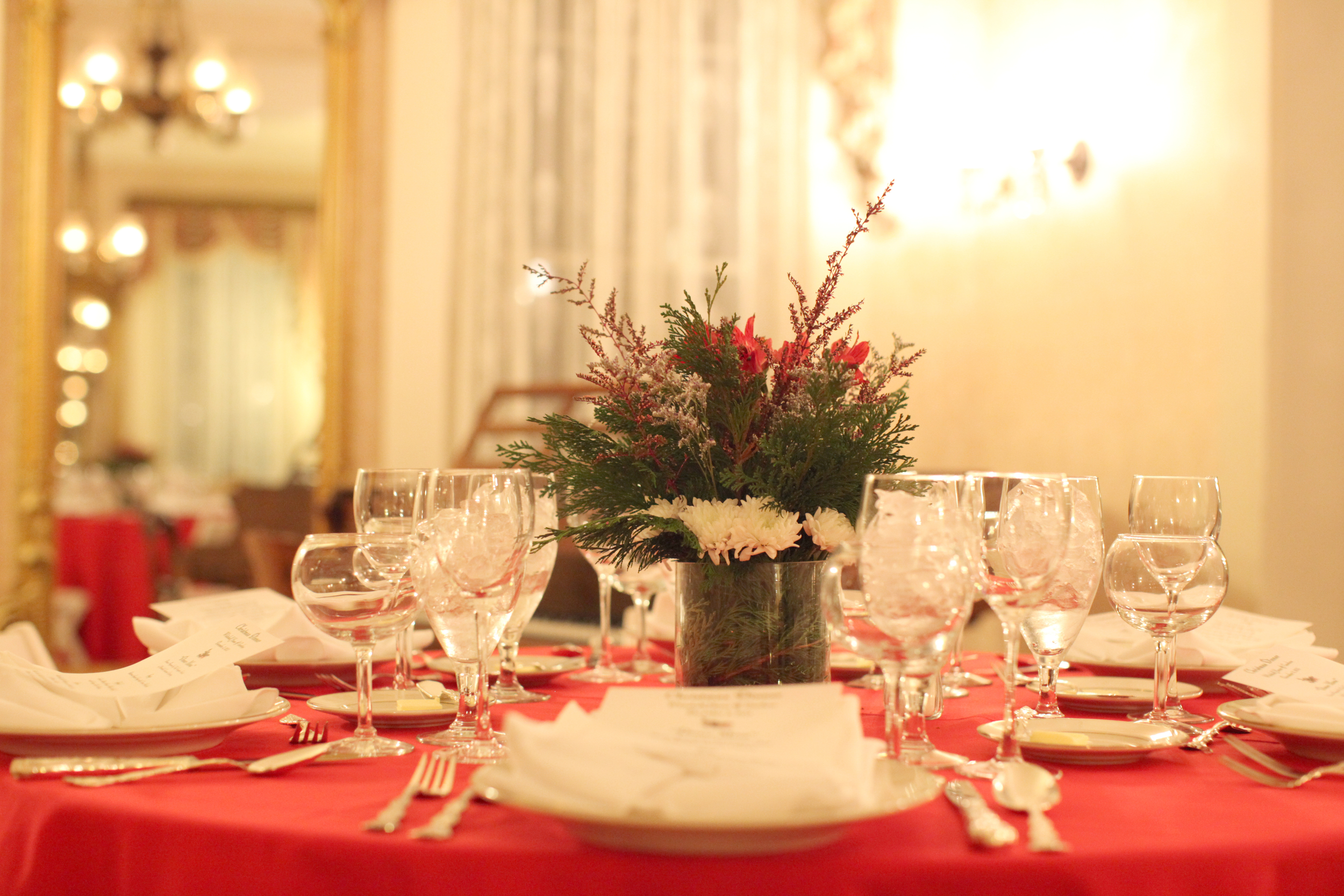 Whitehalls Christmas Candlelight Tour 2020 Valentine's Dinner — Whitehall