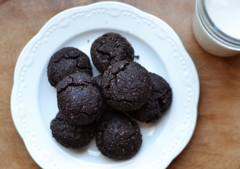 chocolate almond gluten-free cookie