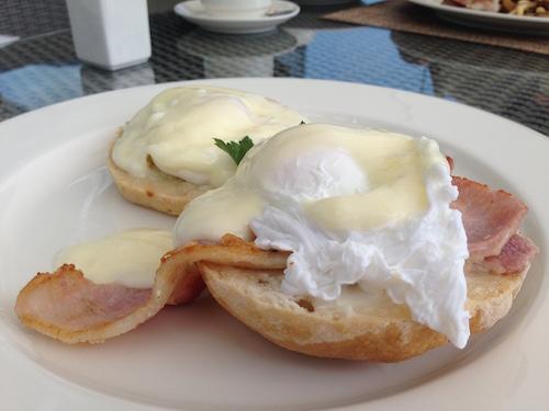 Eggs benedict @ The Grillroom in Fiesta residences