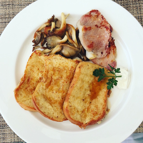 brioche french toast @ the grillroom in fiesta residences