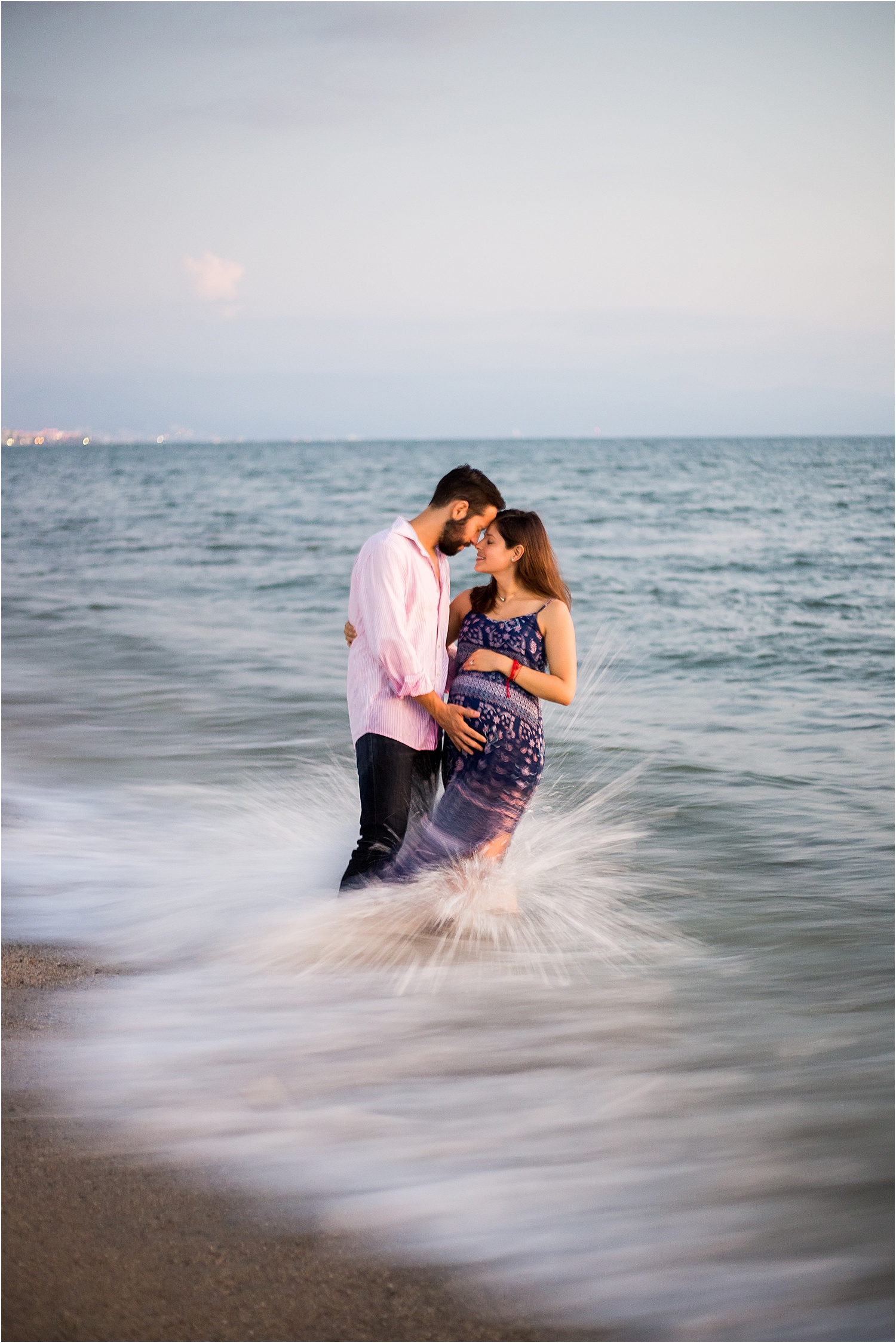 maternity-portrait-session-puerto-vallarta-mexico.jpg