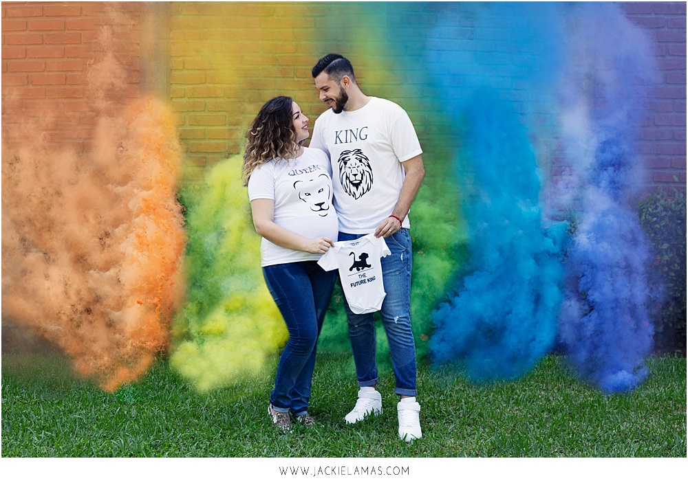 rainbow-baby-smoke-bombs-maternity-photo.jpg