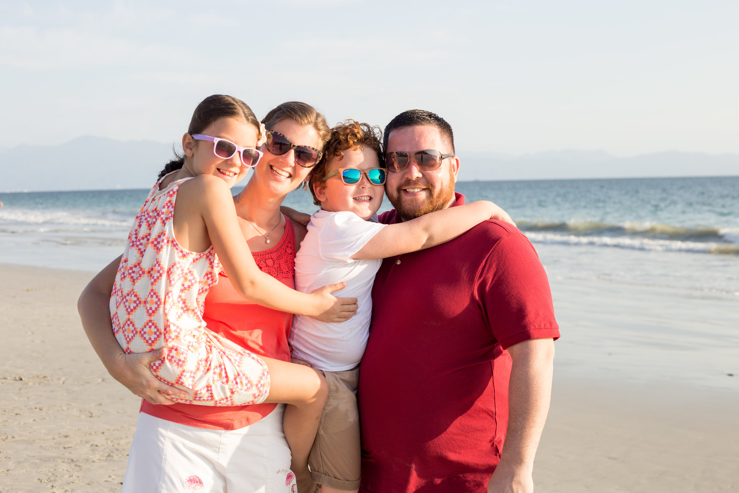 fun-family-ideas-portraits-puerto-vallarta-mexico-photographer