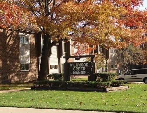 Wildwood-Creek-Manor-Apartments-Holland-MI-Entrance-01.jpg