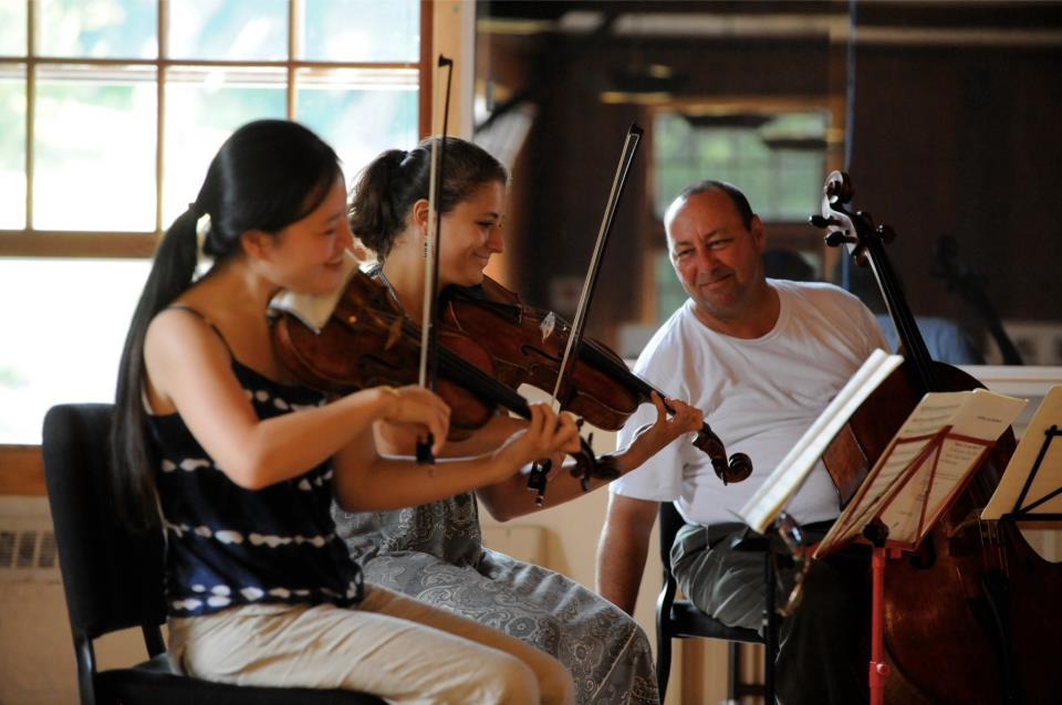 Beethoven Septet rehearsal at Marlboro Music Festival with Peter Wiley and Milena Pajaro-van de Stadt (photo by Pete Checchia)