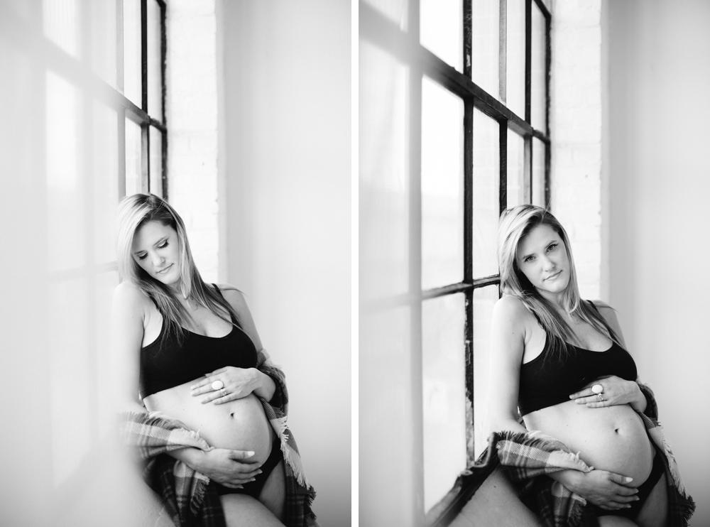 Seattle_Maternity_Studio_Photographer 14.jpg