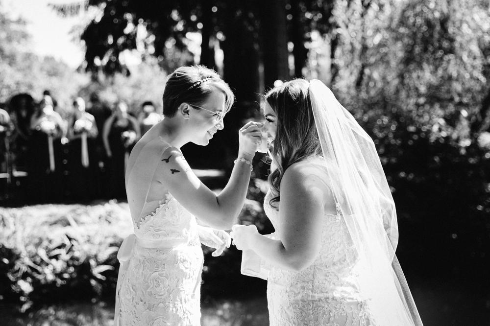 seattle_wedding_photographer_delille_cellars_woodinville 21.jpg