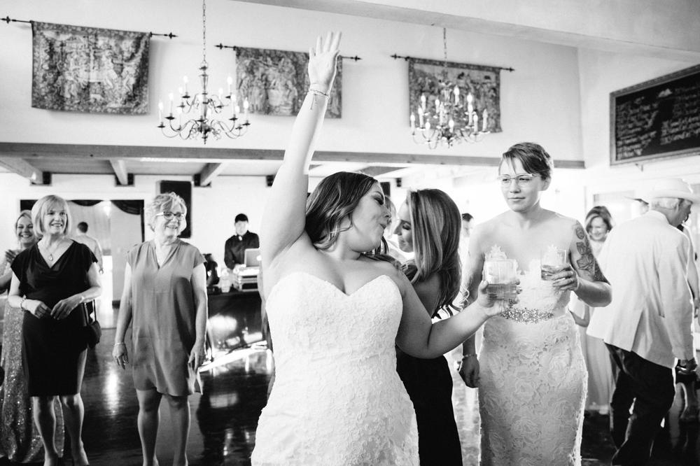seattle_wedding_photographer_delille_cellars_woodinville 40.jpg