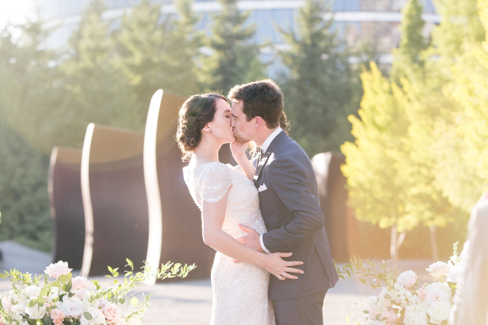 seattle_wedding_photographer_Olympic_sculpture_park 41.jpg