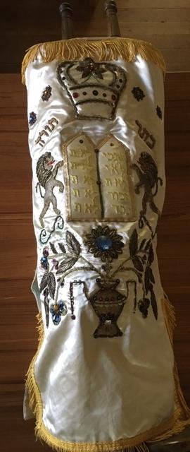 Zmanim's new Torah scroll!