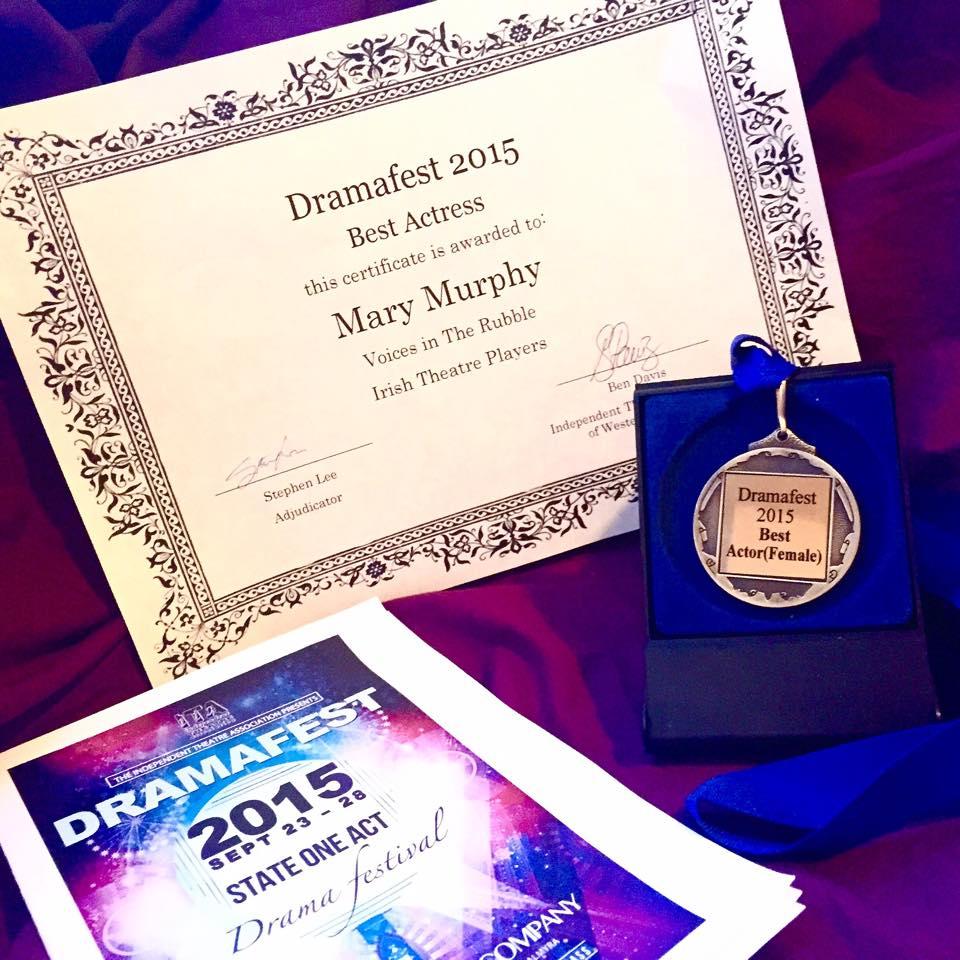 Awards Mary 2015.jpg