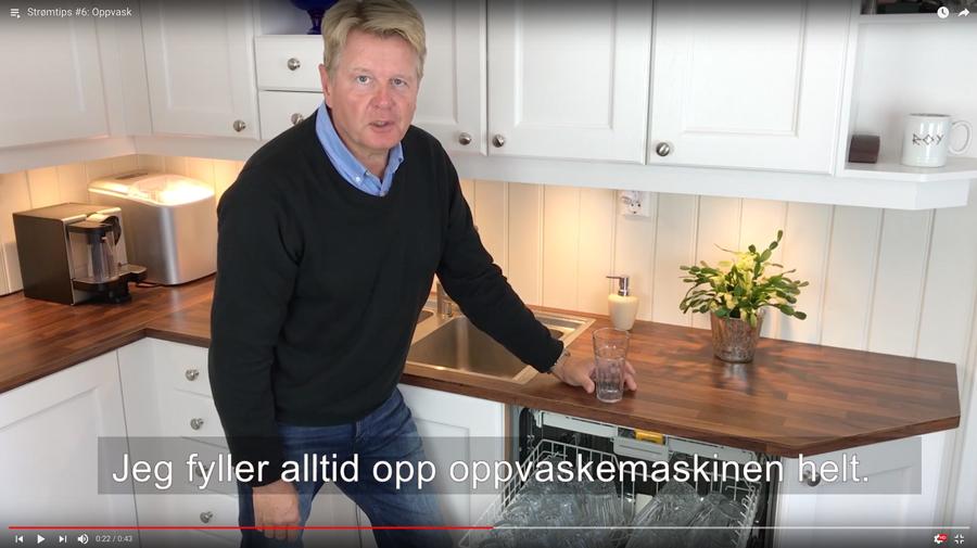 – Endringer i hverdagvaner kan slå veldig positivt ut på strømregningen, sier direktør Roy Henriksen i Fredrikstad EnergiSalg. Han er opptatt av at kundene sine skal få litt mindre strømregning og håper at videotipsene kan inspirere.