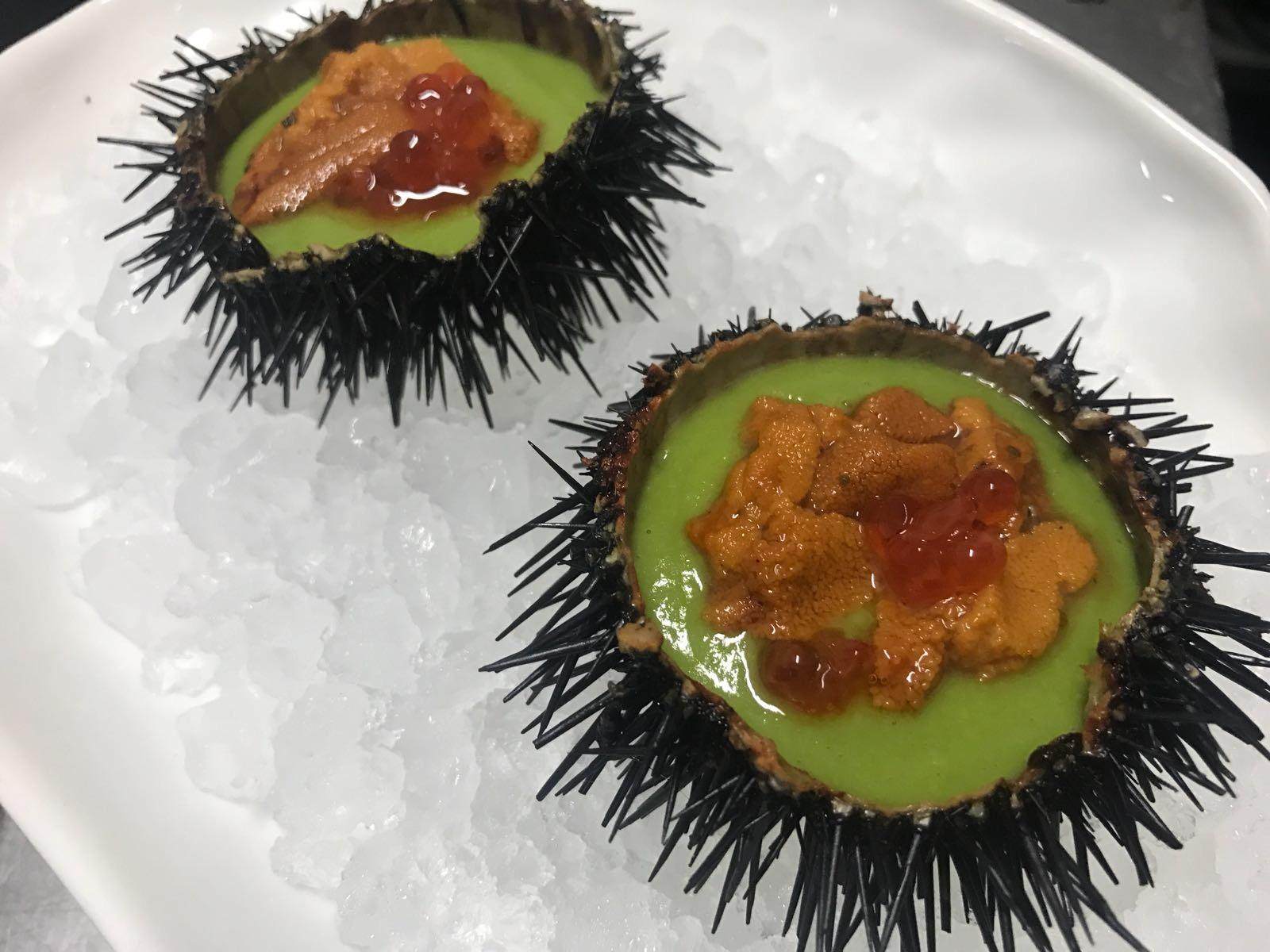 Ricci, plancton e finte uova di salmone (ossia sferificazione di arancia)