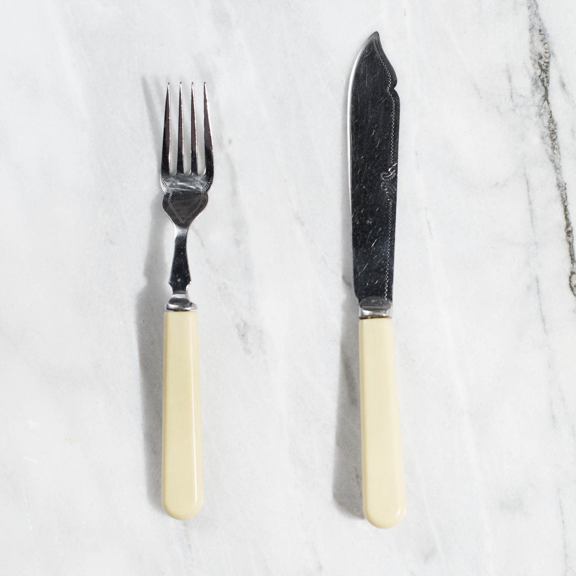 fish knife + fork