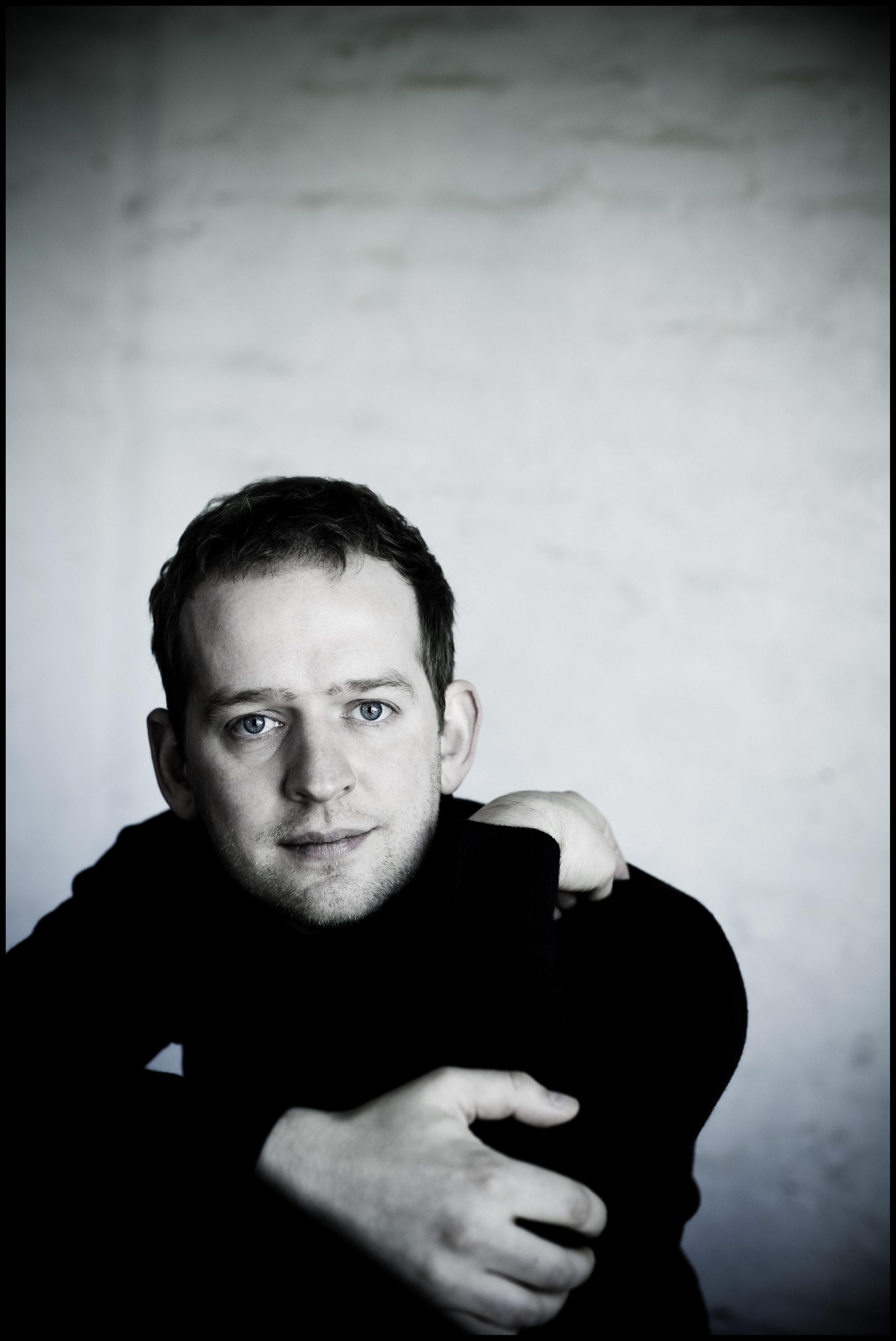 ALASDAIR BEATSON - PIANO.jpg