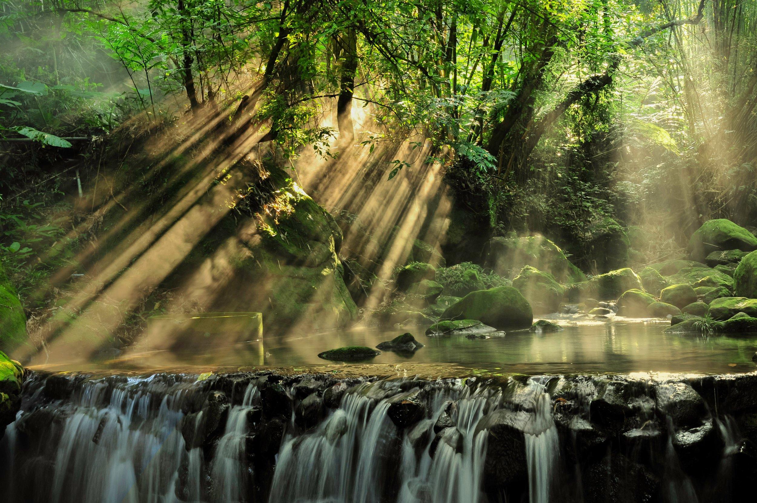 beautiful-boulders-cascade-927414.jpg