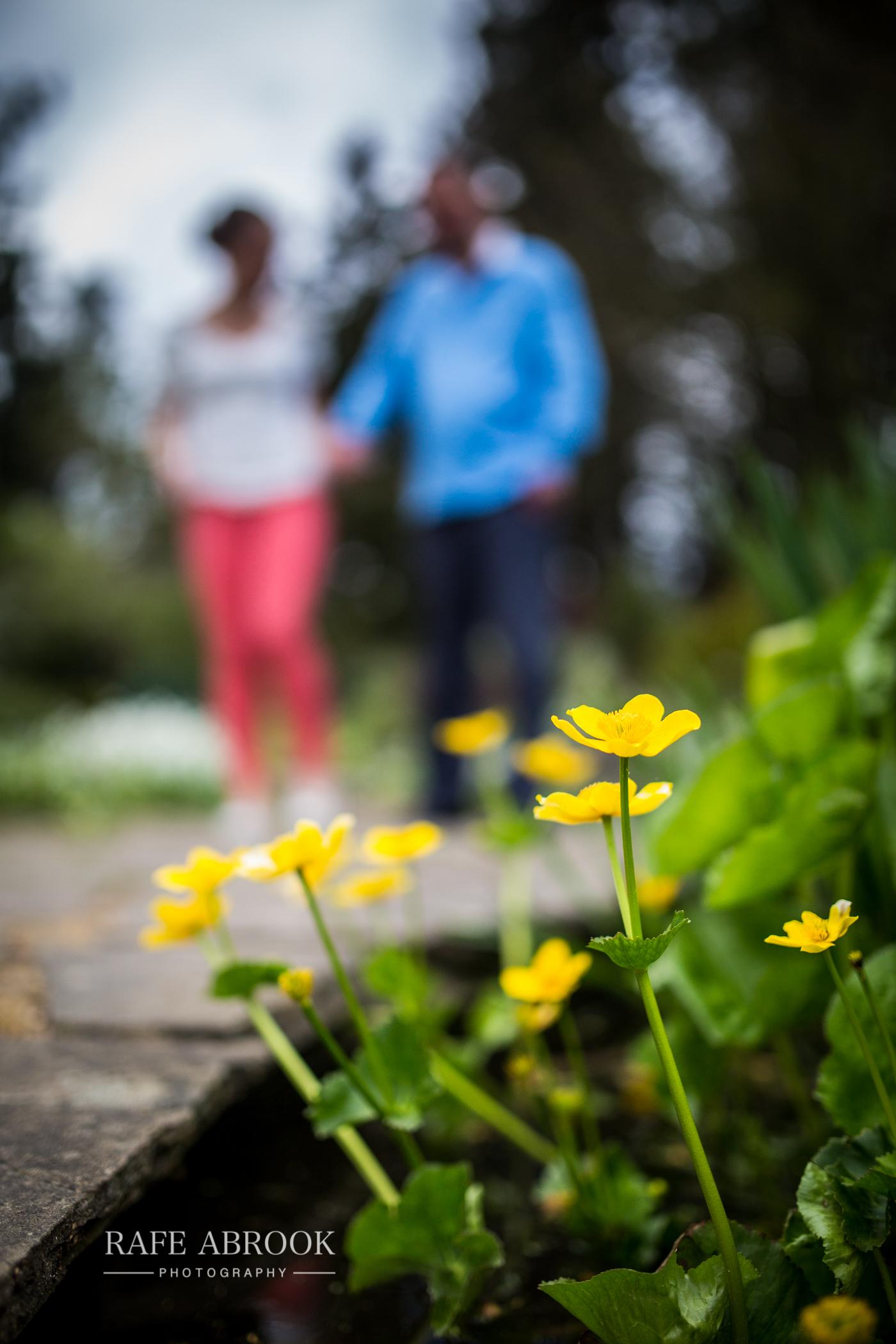 cheslyn gardens watford engagement shoot-1031.jpg