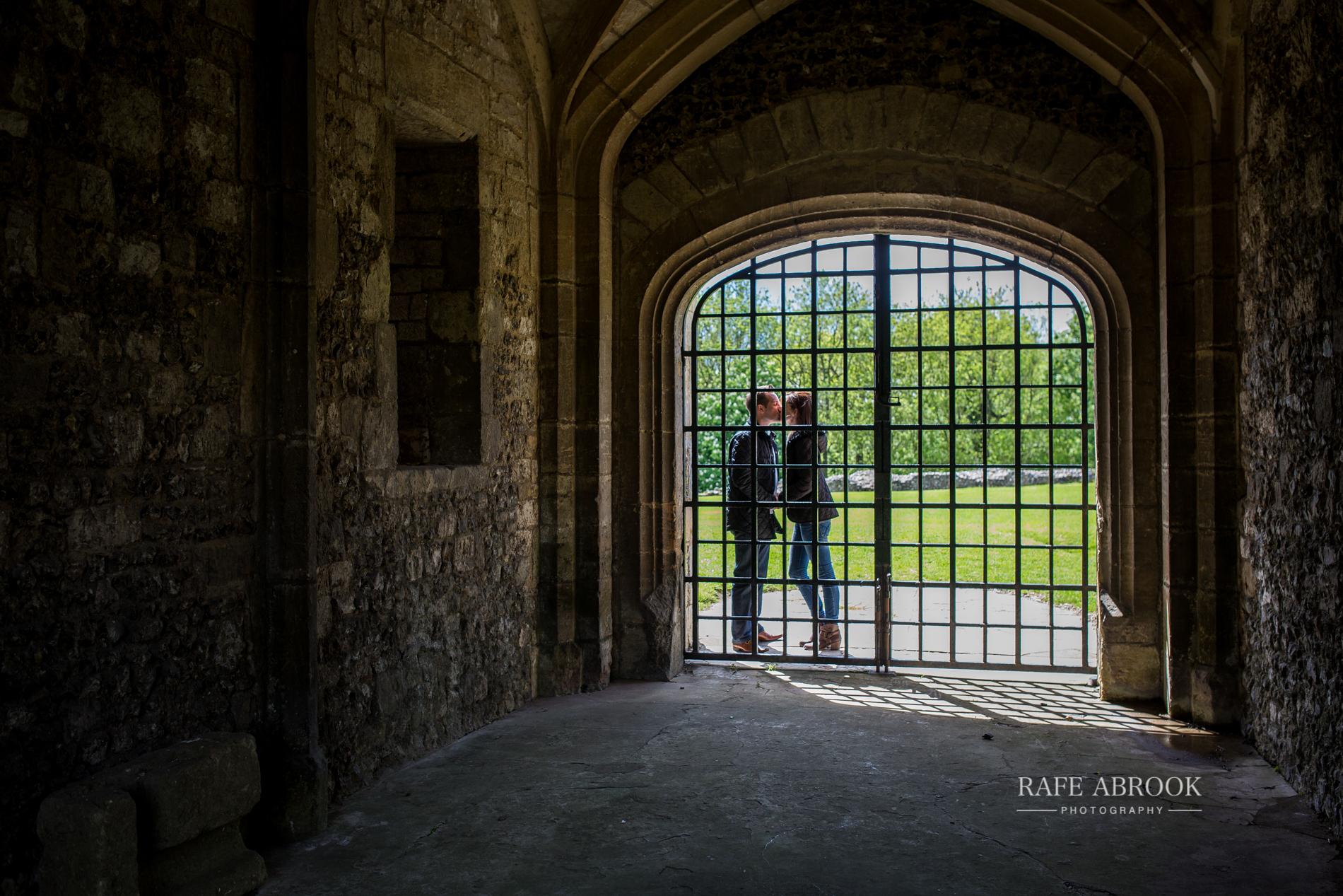 andy & eloise engagement shoot donnington castle berkshire-1011.jpg