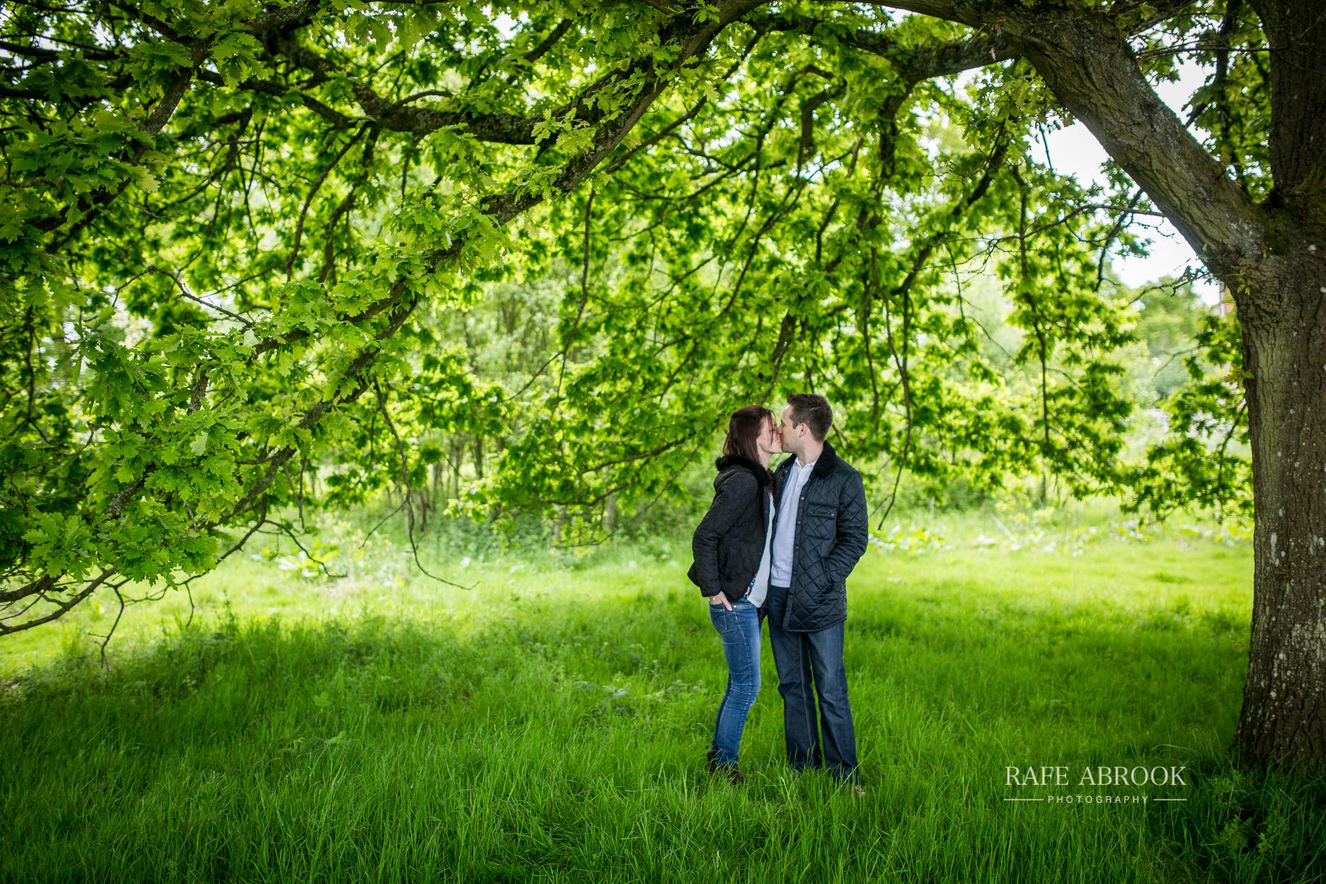 andy & eloise engagement shoot donnington castle berkshire-1045.jpg