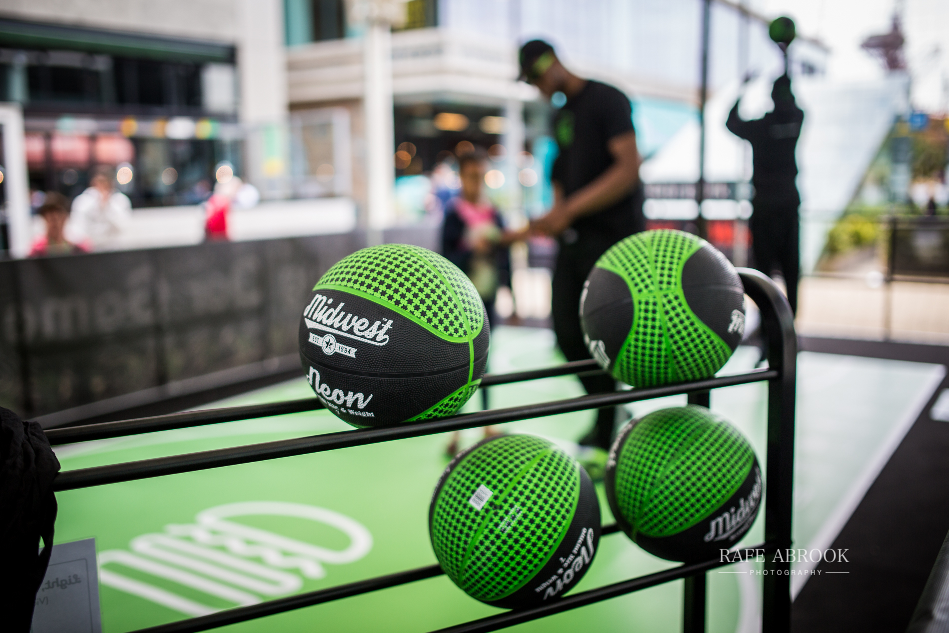 shake shack uk westfield stratford london experiential basketball-1019.jpg