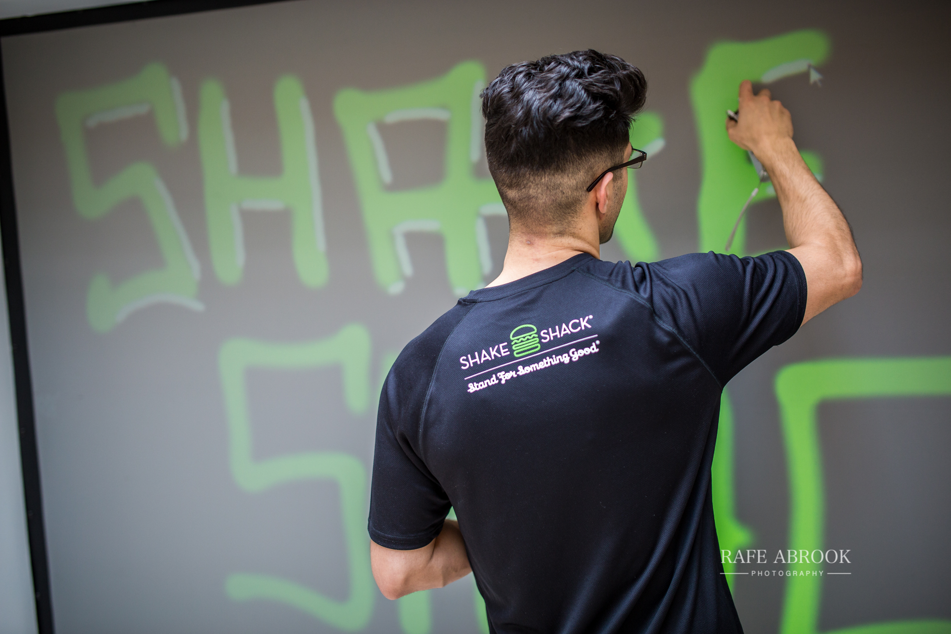 shake shack uk westfield stratford london experiential basketball-1033.jpg