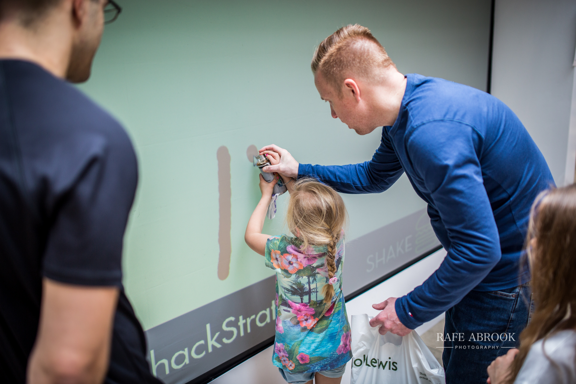 shake shack uk westfield stratford london experiential basketball-1080.jpg