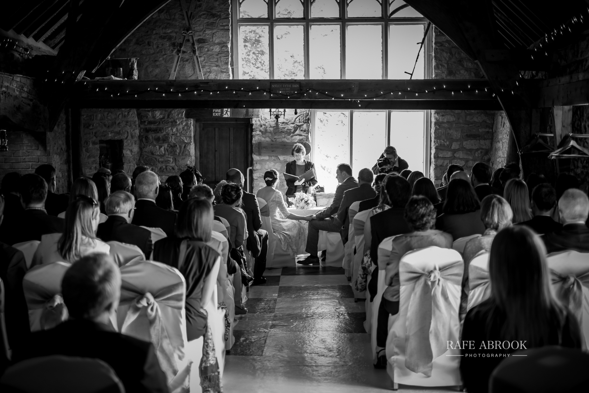 jon & laura wedding notley tythe barn wedding buckinghamshire-1157.jpg