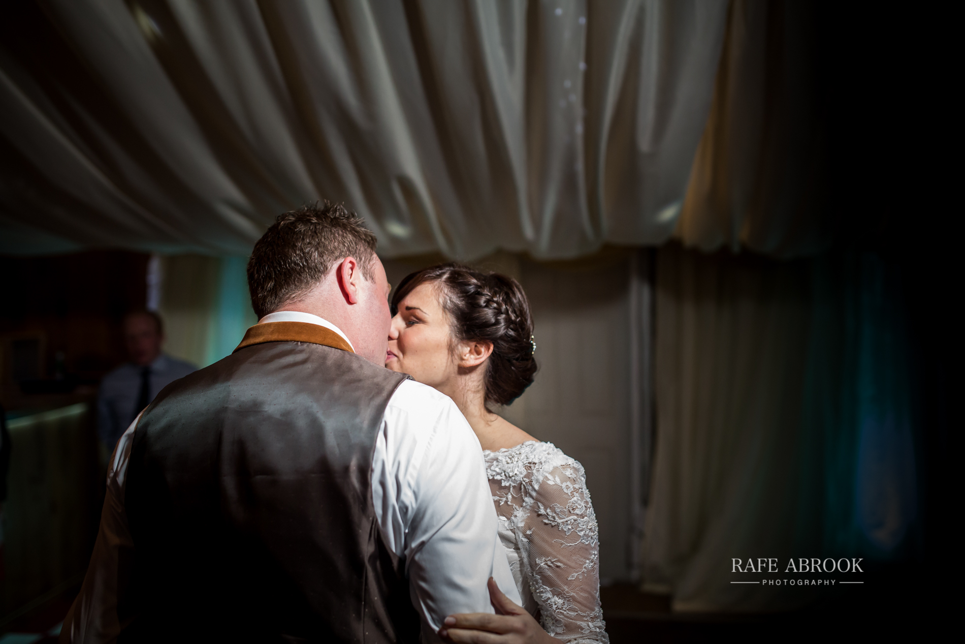 jon & laura wedding notley tythe barn wedding buckinghamshire-1438.jpg