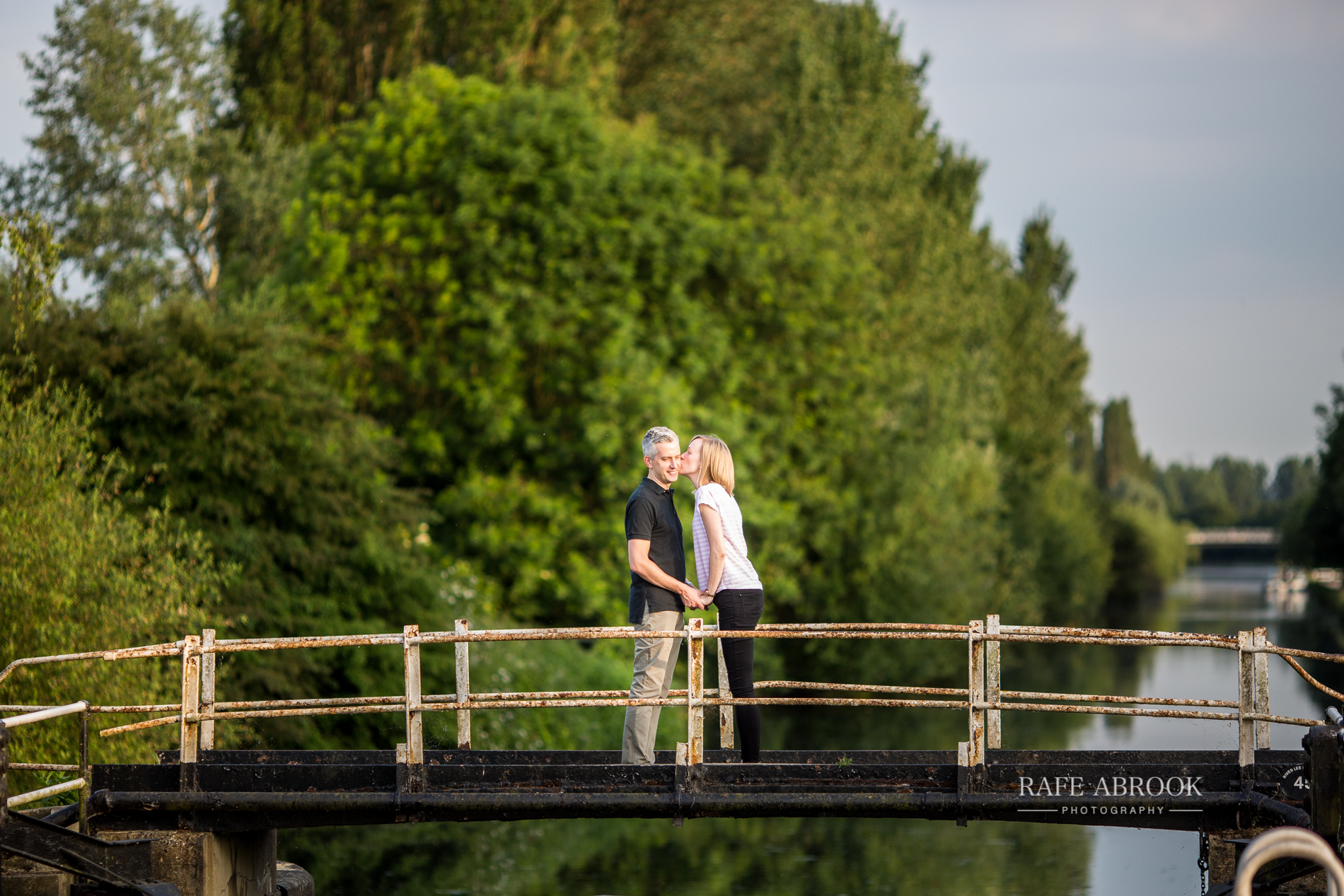 emily & andrew engagement shoot lea valley park cheshunt hertfordshire-1044.jpg