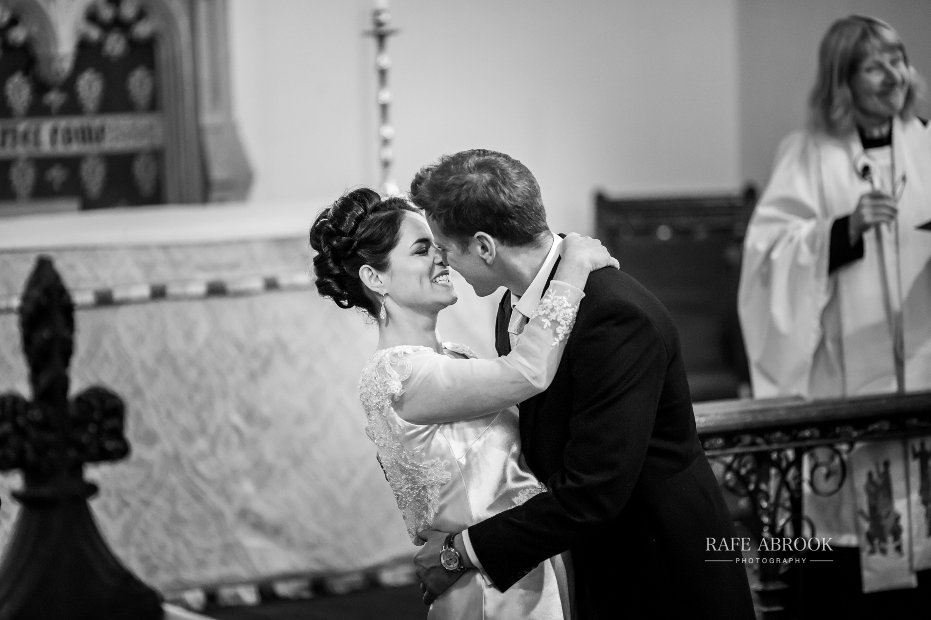 sam & alison watkins hall farm hertford hertfordshire wedding photographer-1088.jpg