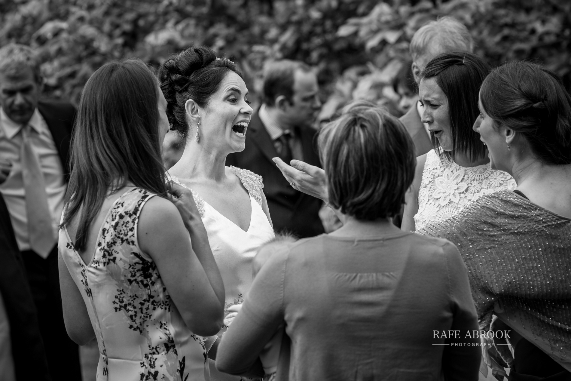 sam & alison watkins hall farm hertford hertfordshire wedding photographer-1131.jpg