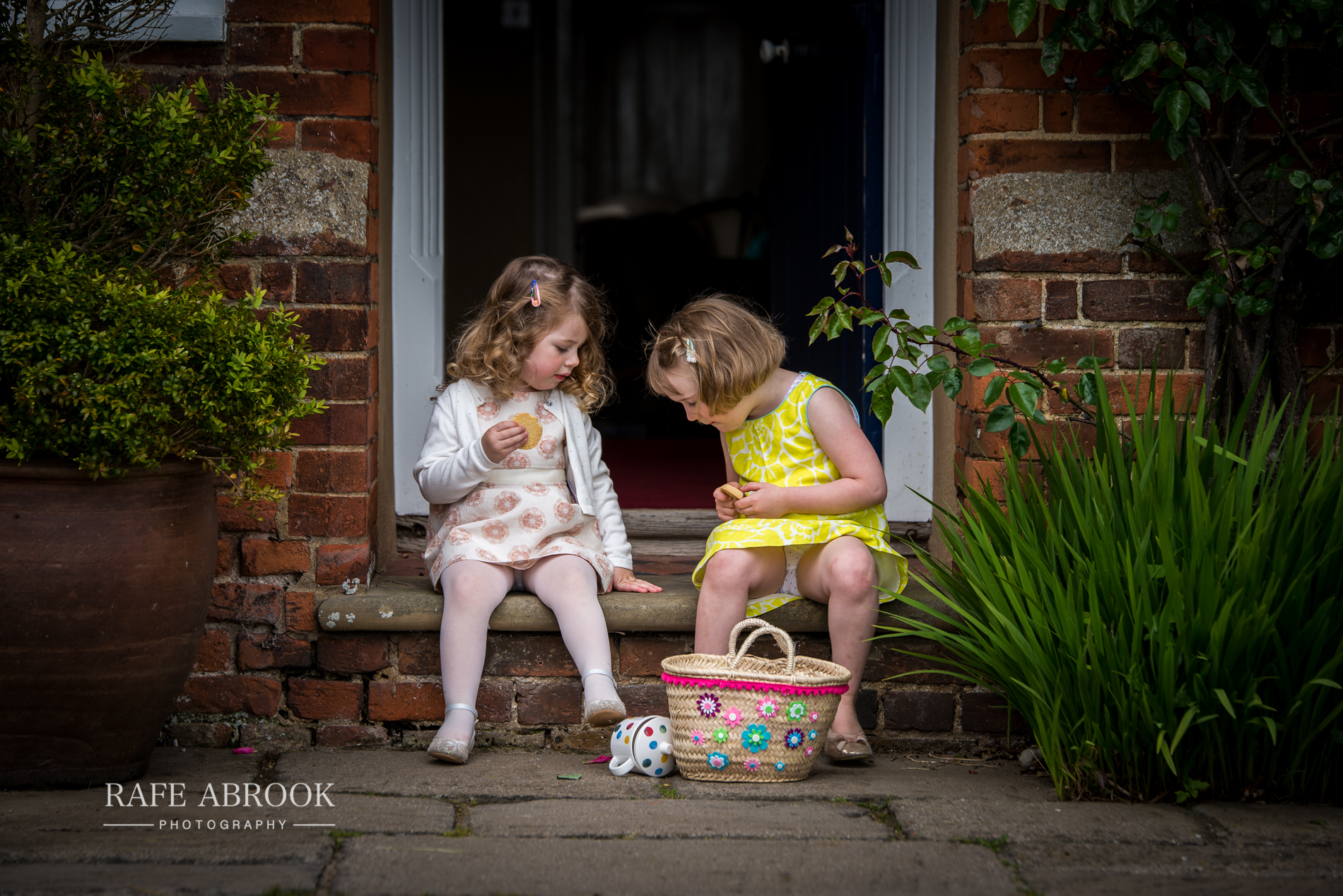 sam & alison watkins hall farm hertford hertfordshire wedding photographer-1230.jpg