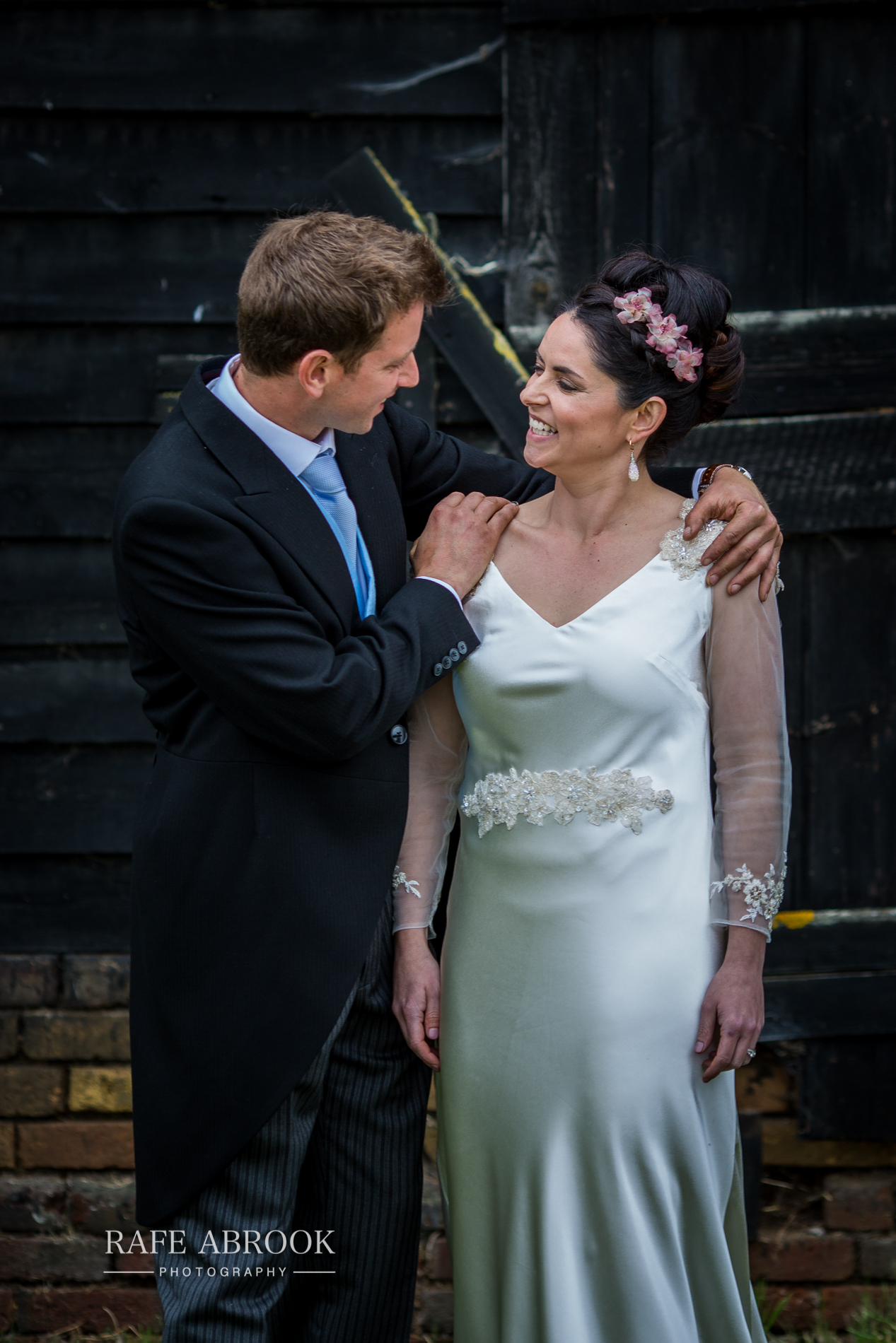 sam & alison watkins hall farm hertford hertfordshire wedding photographer-1289.jpg