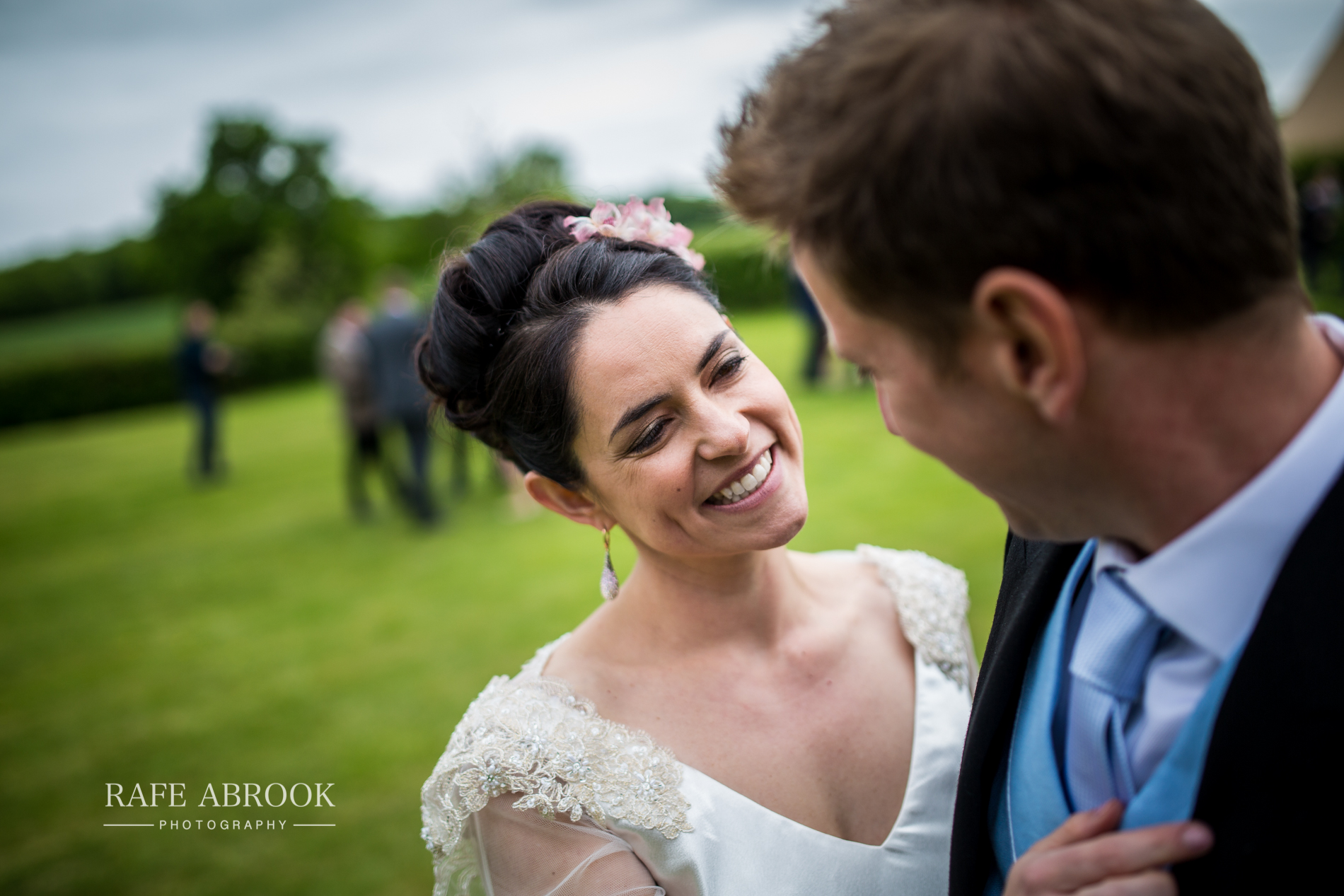 sam & alison watkins hall farm hertford hertfordshire wedding photographer-1306.jpg