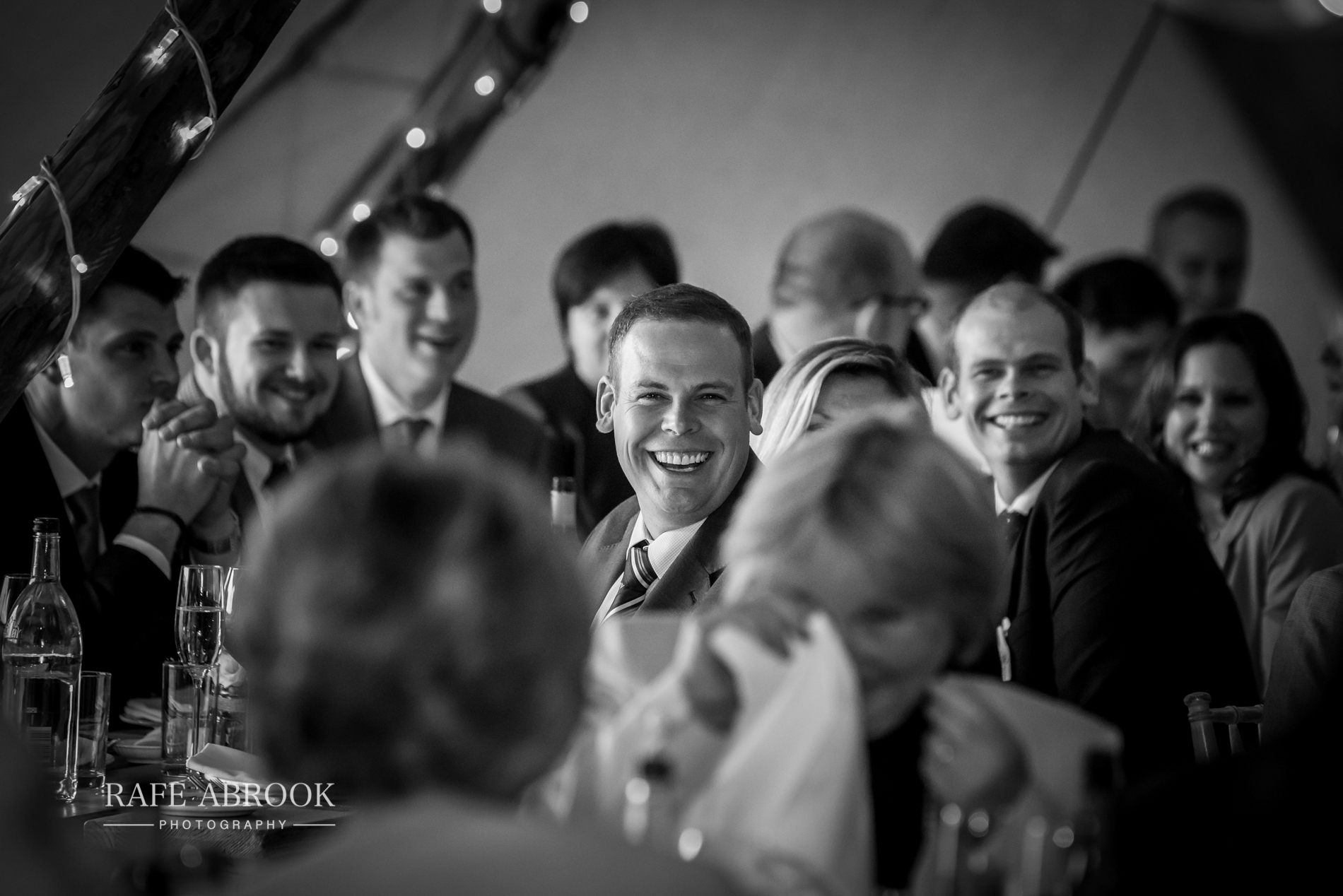 sam & alison watkins hall farm hertford hertfordshire wedding photographer-1378.jpg